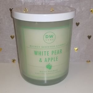 New DW HOME White Pear & Apple scented candle